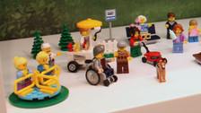YouTube: Lego diseña por primera vez la figura de un niño en silla de ruedas