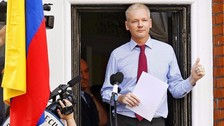 Assange se entregará a la policía británica si la ONU falla en su contra