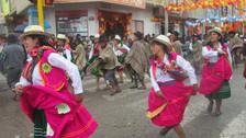 Con pasacalles se iniciaron los carnavales en Andahuaylas
