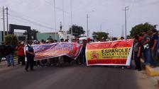 Obreros de construcción civil bloquean vía Chiclayo Pimentel