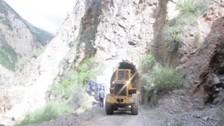 Deslizamiento de cerro interrumpe vía Huancavelica- Huancayo