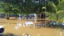 Intensas lluvias causan aniegos en principales avenidas