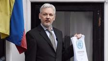 Assange: Votar por Hillary Clinton es hacerlo en favor de la