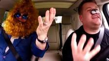 Elton John sorprendió en karaoke junto a James Corden