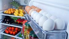 ¿Cuáles son los alimentos que deben refrigerarse siempre y cuáles no?