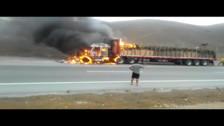 Pativilca: Tráiler se incendia con productos trasladados