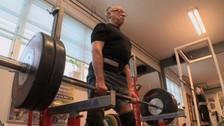 Twitter: Sven Stensgaard, levantador de pesas de 93 años asombra al mundo