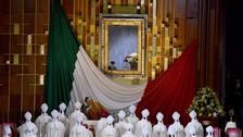 El papa se recogió en oración durante 20 minutos ante la Virgen de Guadalupe