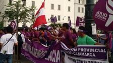 Realizan vigilia en sede de JNE a espera de fallo sobre Todos Por el Perú