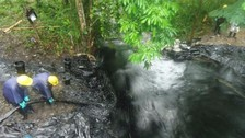 Minsa envía equipo para evaluación de agua tras derrame de petróleo