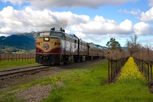 Outside_train_in_winter.slide