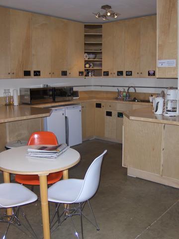 Pl1422_kitchen.slide