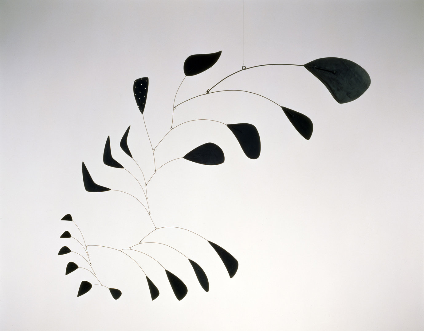 ", 1941. sheet metal, wire, and paint, 53-1/2"" x 66"" (135.9 cm x 167.6 cm)."