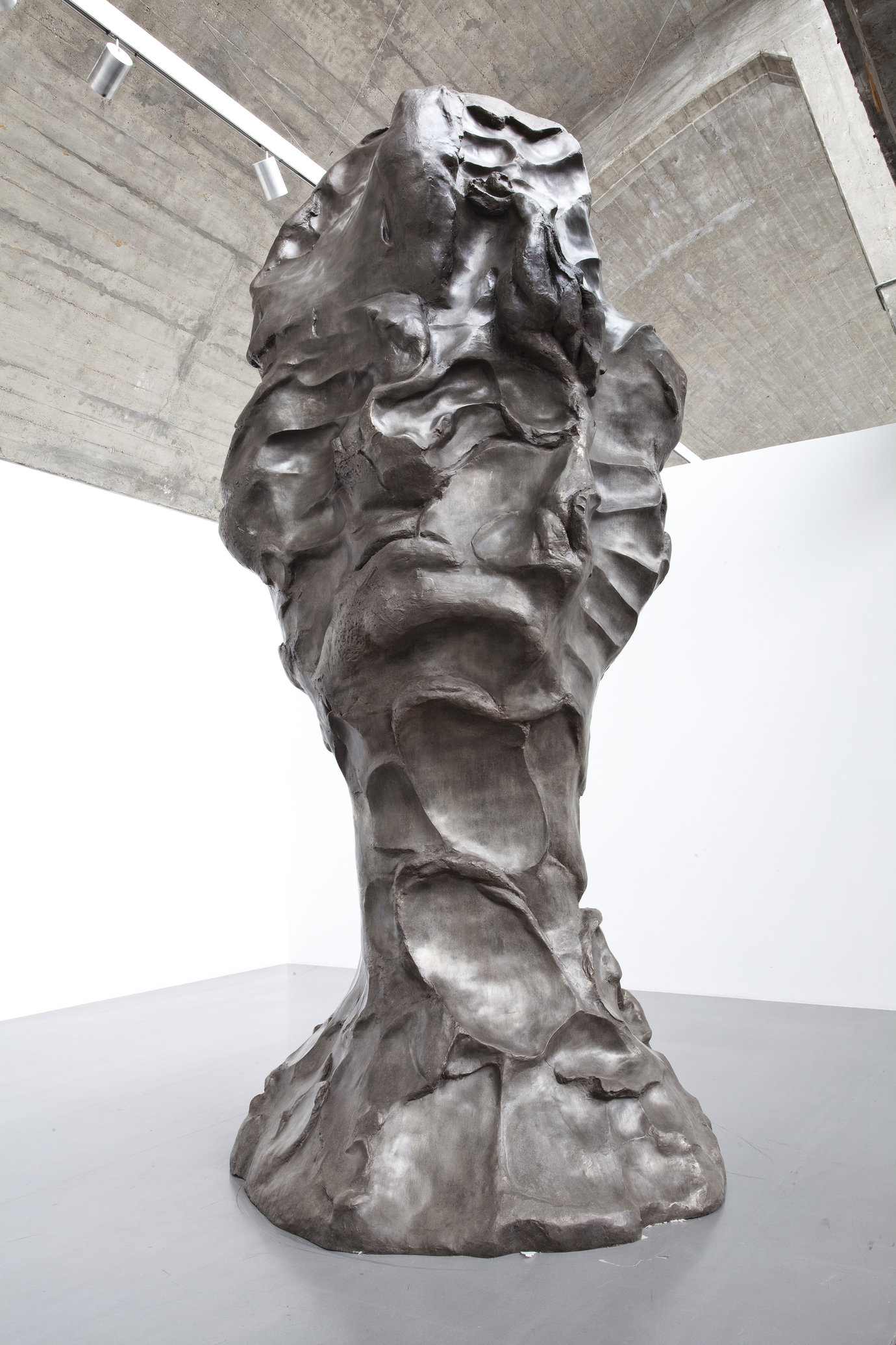 , 2008. Cast bronze, 500 x 206 x 230 cm.