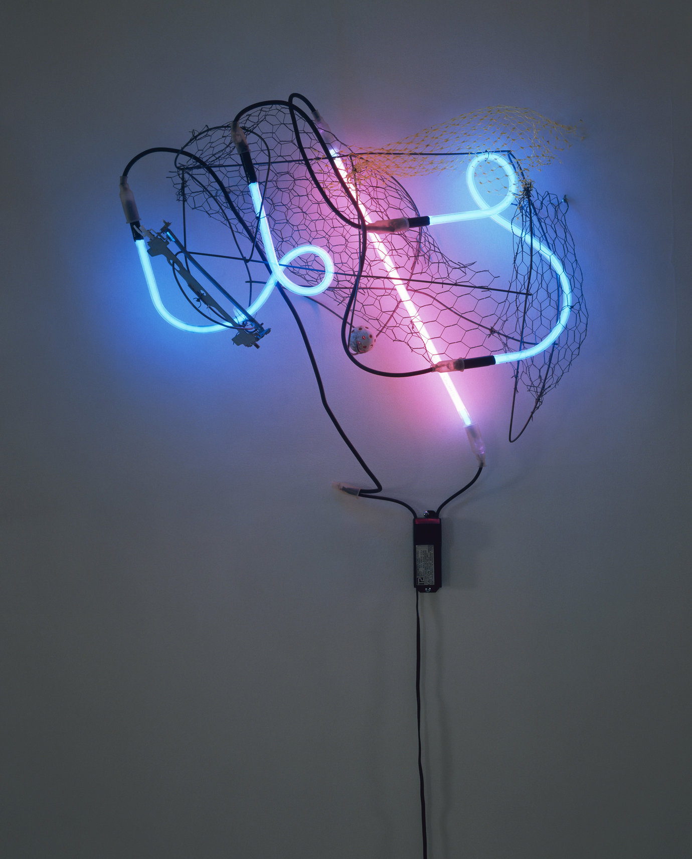 ", 2004. neon, transformer and found objects, 30"" x 27"" x 9"" (76.2 cm x 68.6 cm x 22.9 cm)."