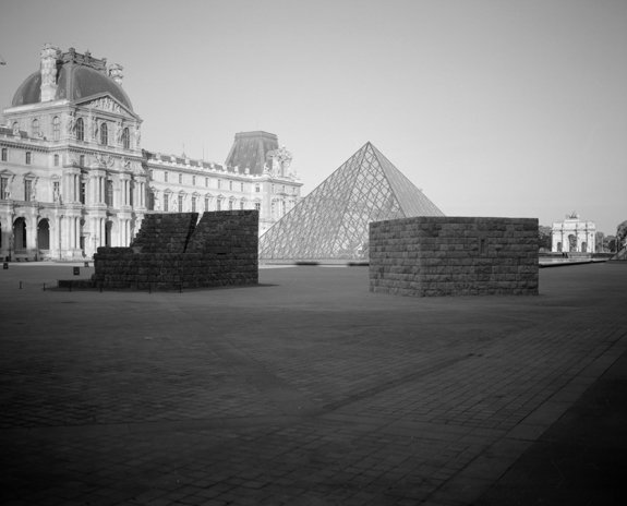 , Installation view, Cour Napoléon, Museé du Louvre, Paris, France, 2011, Photo credit: Baruch Rafic.