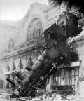 500px train wreck at montparnasse 1895