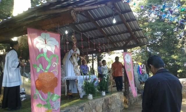 Procesion en la capilla de cristo rey patamban