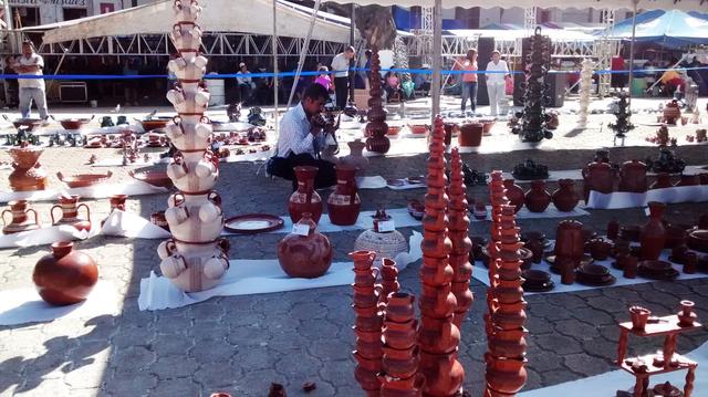 Concurso de alfareria en patamban michoacan en la fiesta de Cristo Rey