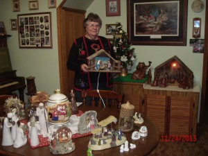 Canton woman has year-round nativity set