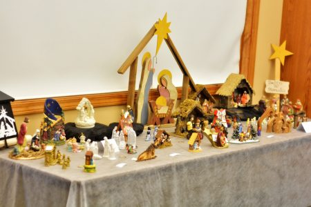 640 nativity sets distributed among mourners
