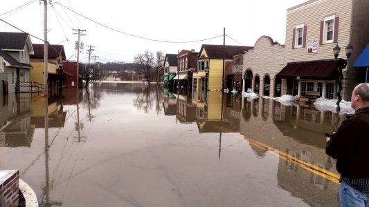 MISSOURI FLOODING: God working through wet grind in Arnold