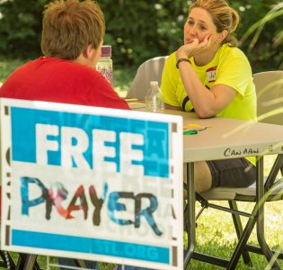Crossover St. Louis: Hundreds come to faith in Christ