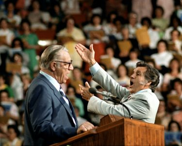 Billy Graham Crusades' Cliff Barrows dies at 93