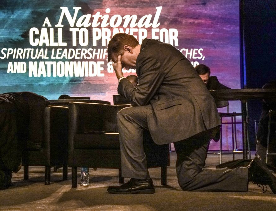 Baptists win re-election to Congress