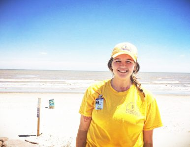 Missouri DR intern shares Jesus in Houston, earns college credits back home
