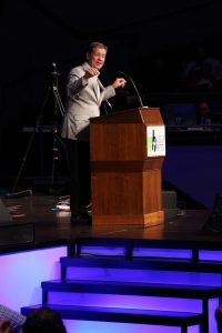NAMB's Ezell urges Baptists to 'live on mission'