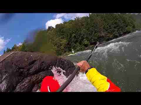MixMaster Slicey Kayak Hits Gauley River