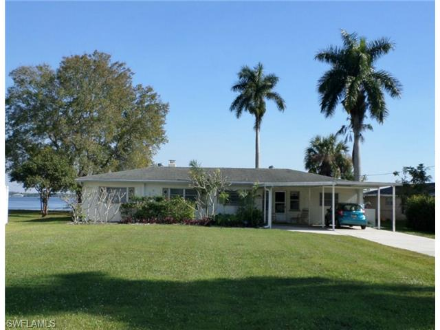 63 E North Shore Ave, North Fort Myers, FL - USA (photo 2)