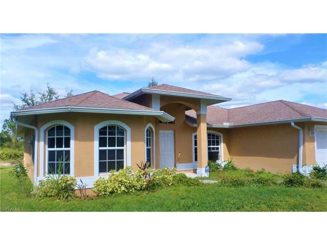 863 Chezy St E, Lehigh Acres, FL - USA (photo 1)