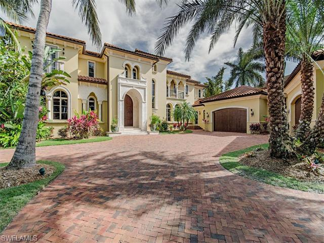 Listing Photo: 990 Aqua Cir, Naples