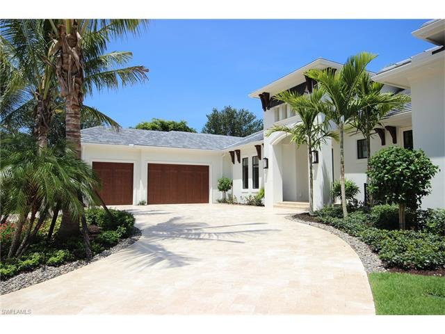 Listing Photo: 323 Cromwell Ct, Naples