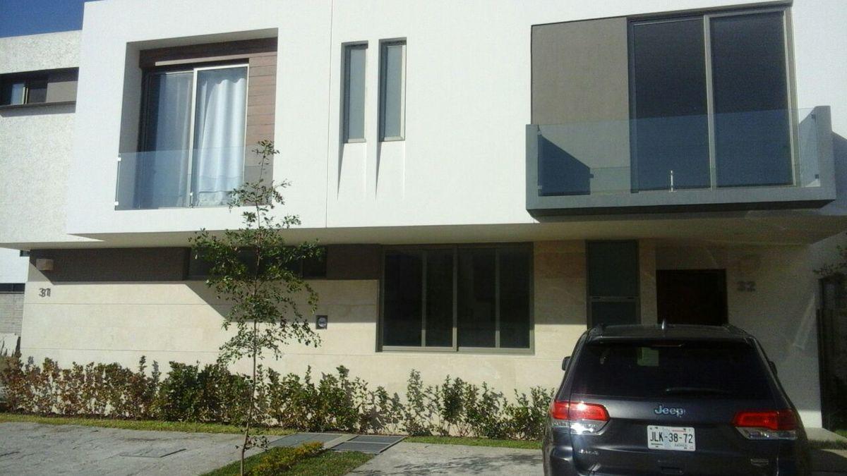 Fachada casa 32