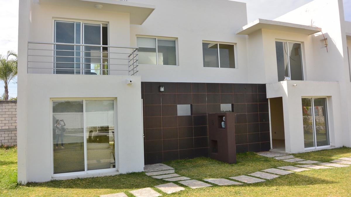 Fachada dos casas1490