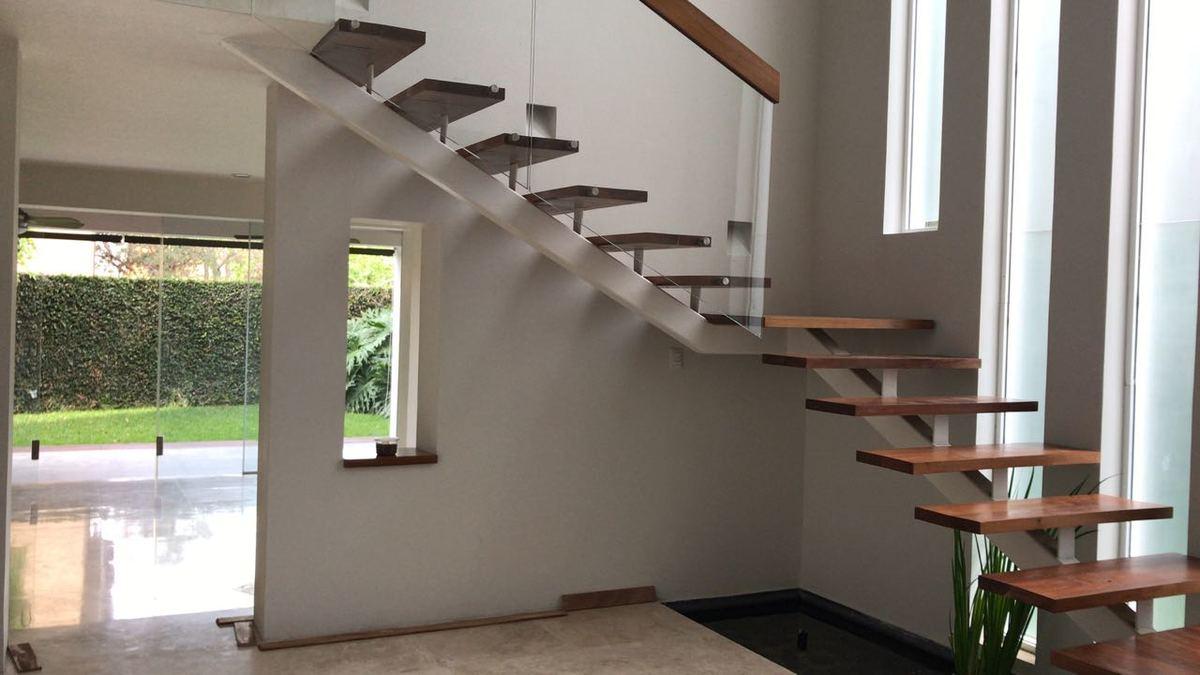 6 escaleras