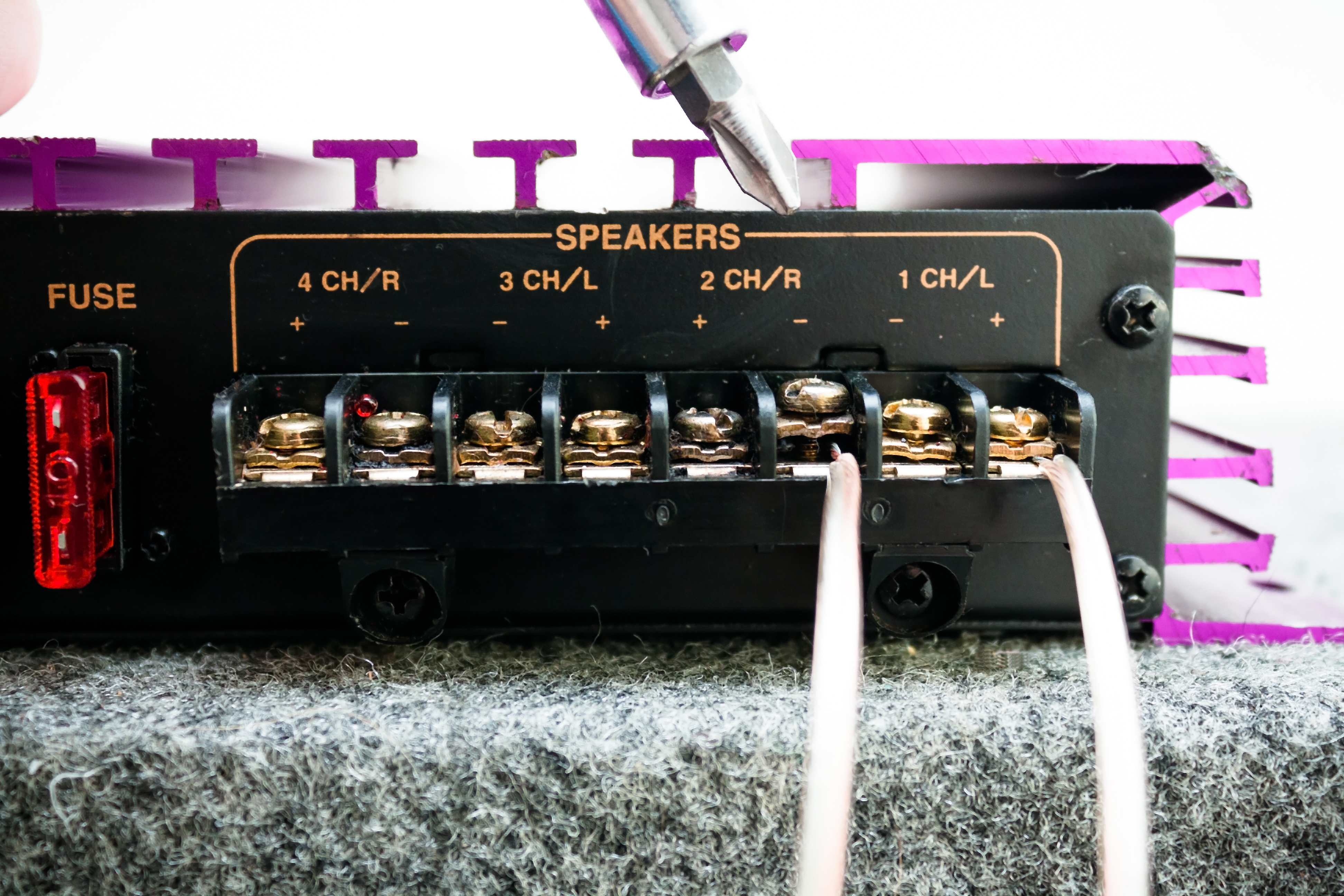 How to Bridge a 4 Channel Amp | It Still Works