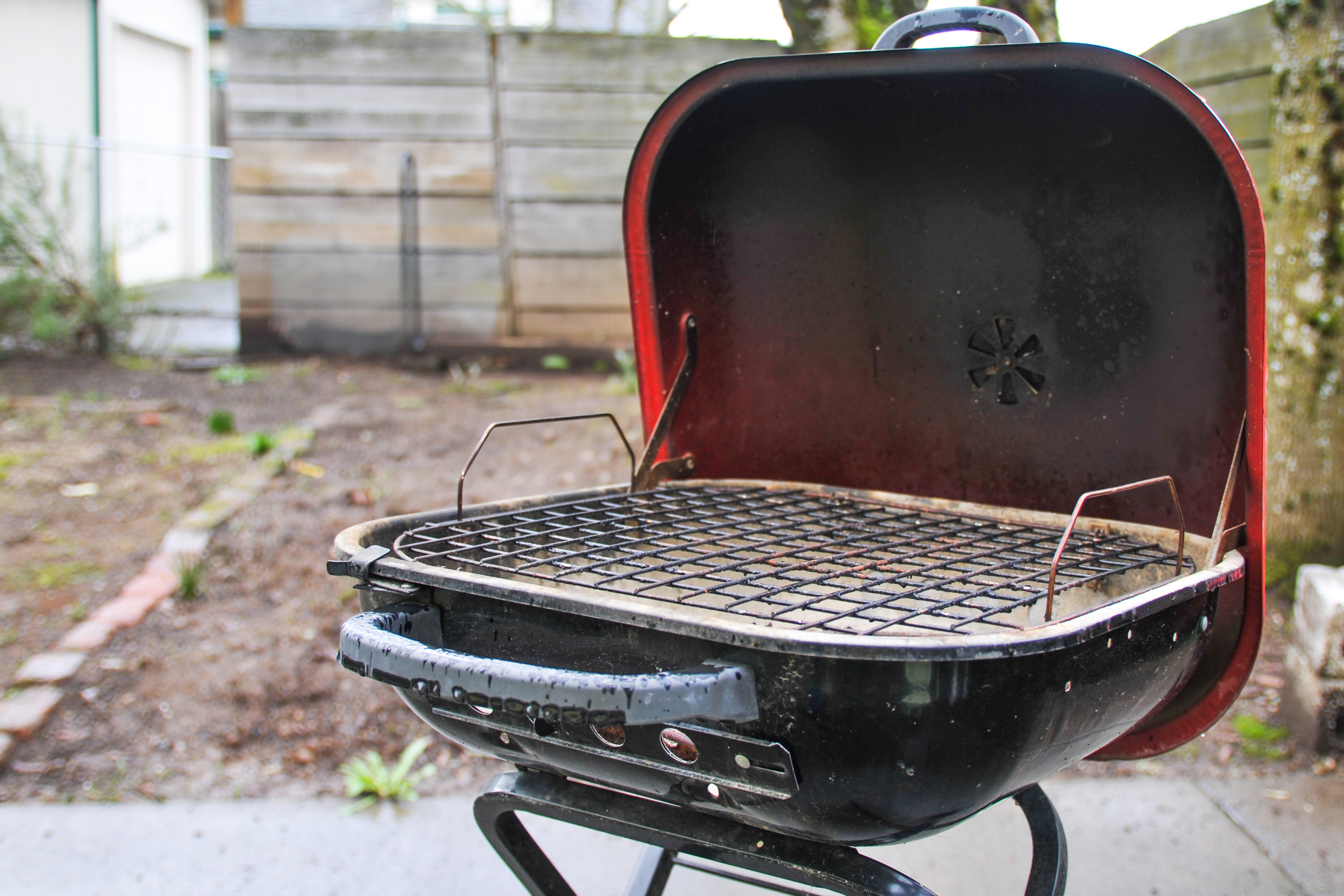 How To Smoke Fish On The Weber Grill Livestrong