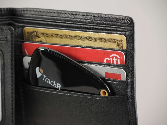 The TrackR Wallet is only 4 mm thick.
