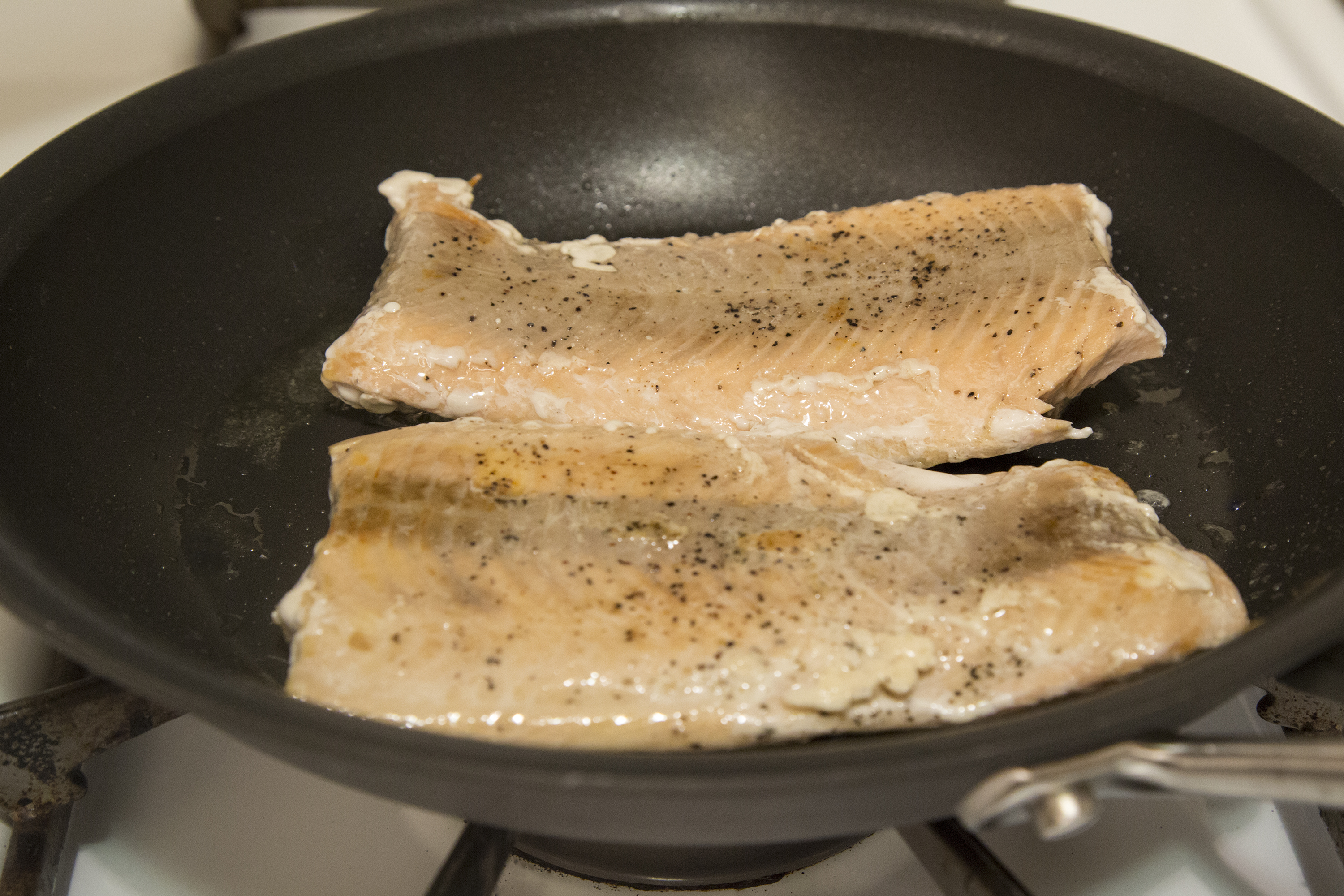 How To Cook Salmon Fillets On The Stove Top Livestrong Com