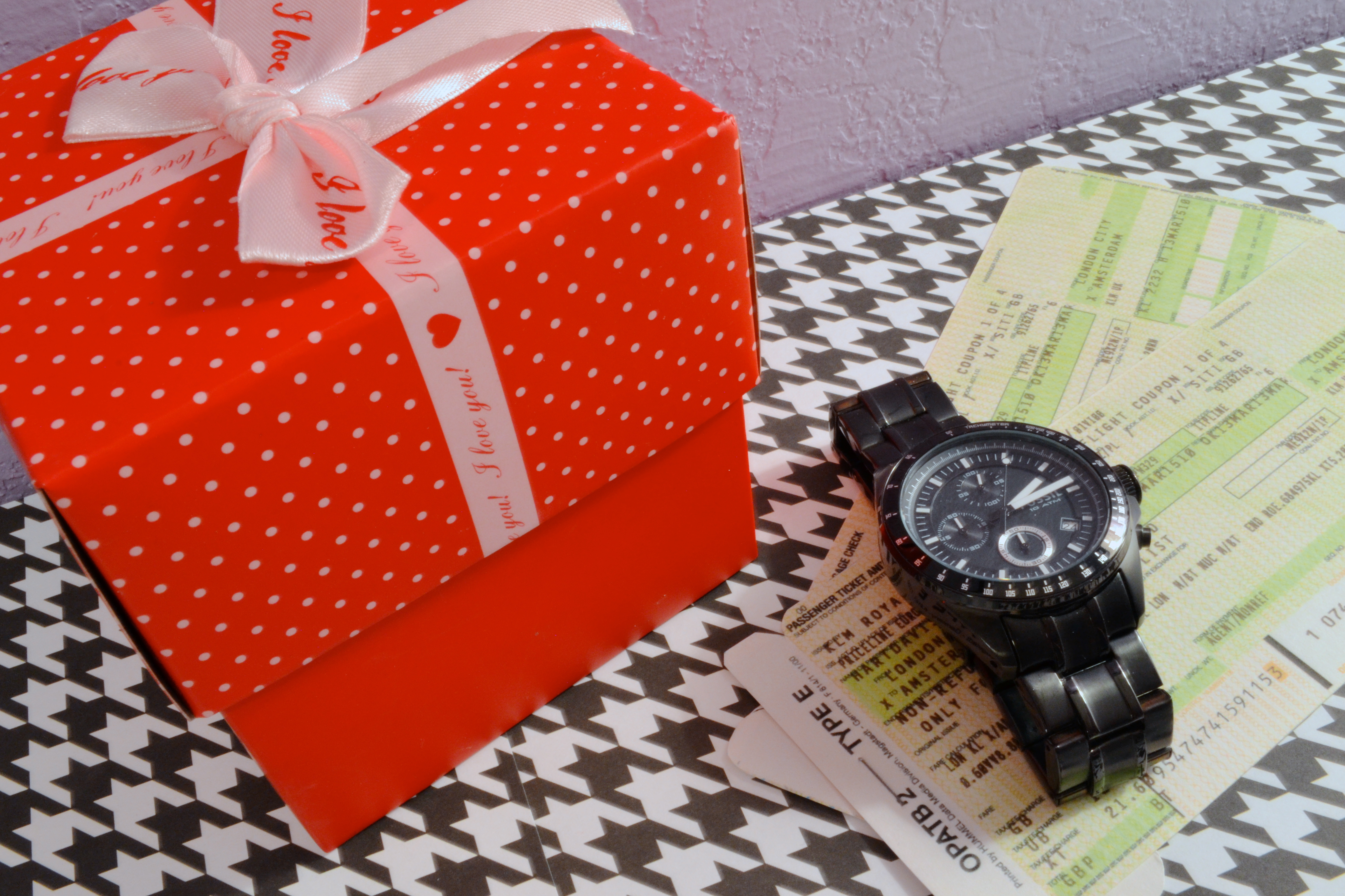First wedding anniversary gifts for your husband