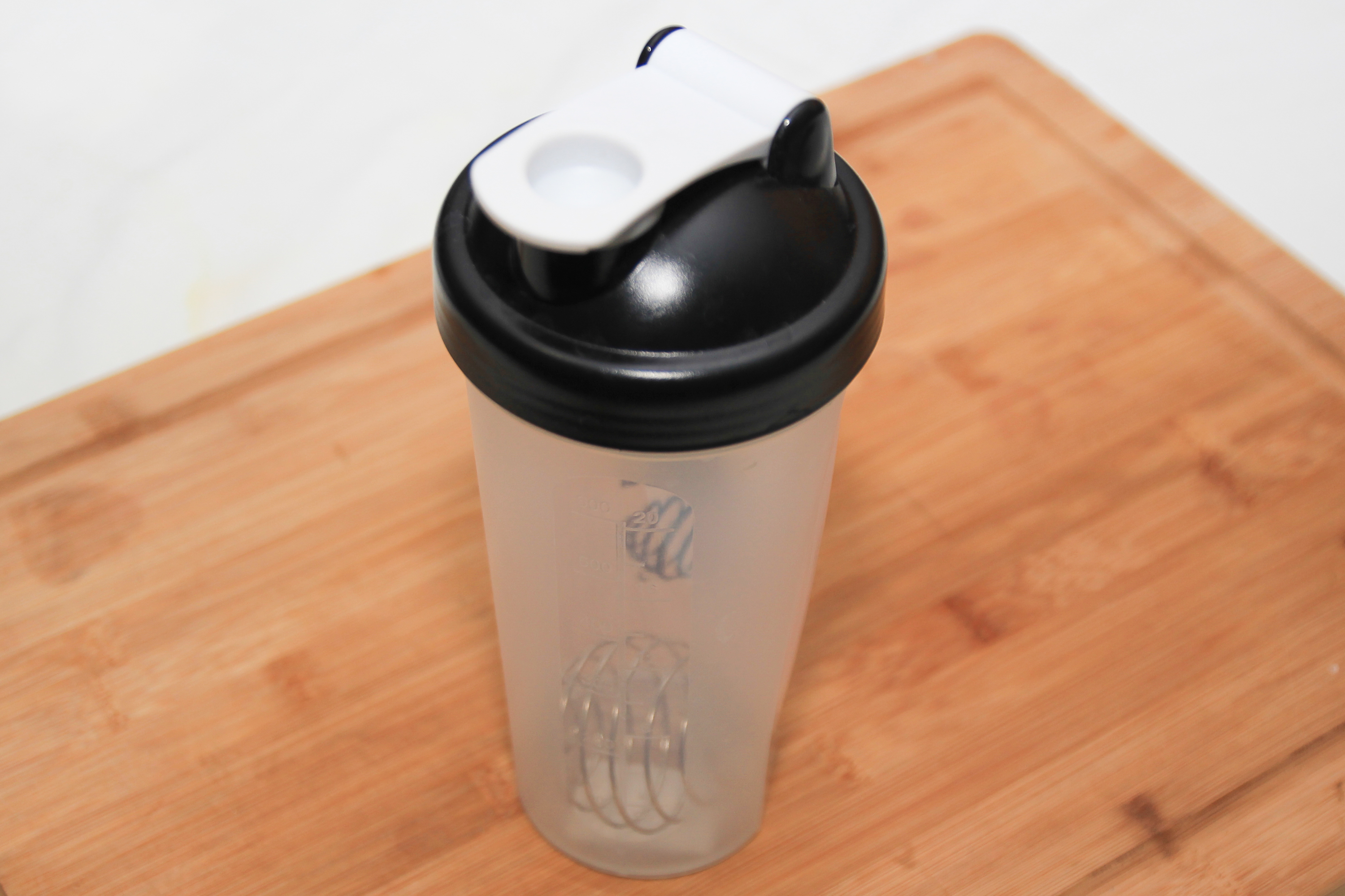 How To Use A Protein Shaker Bottle Shake N Take 3 2 Cup