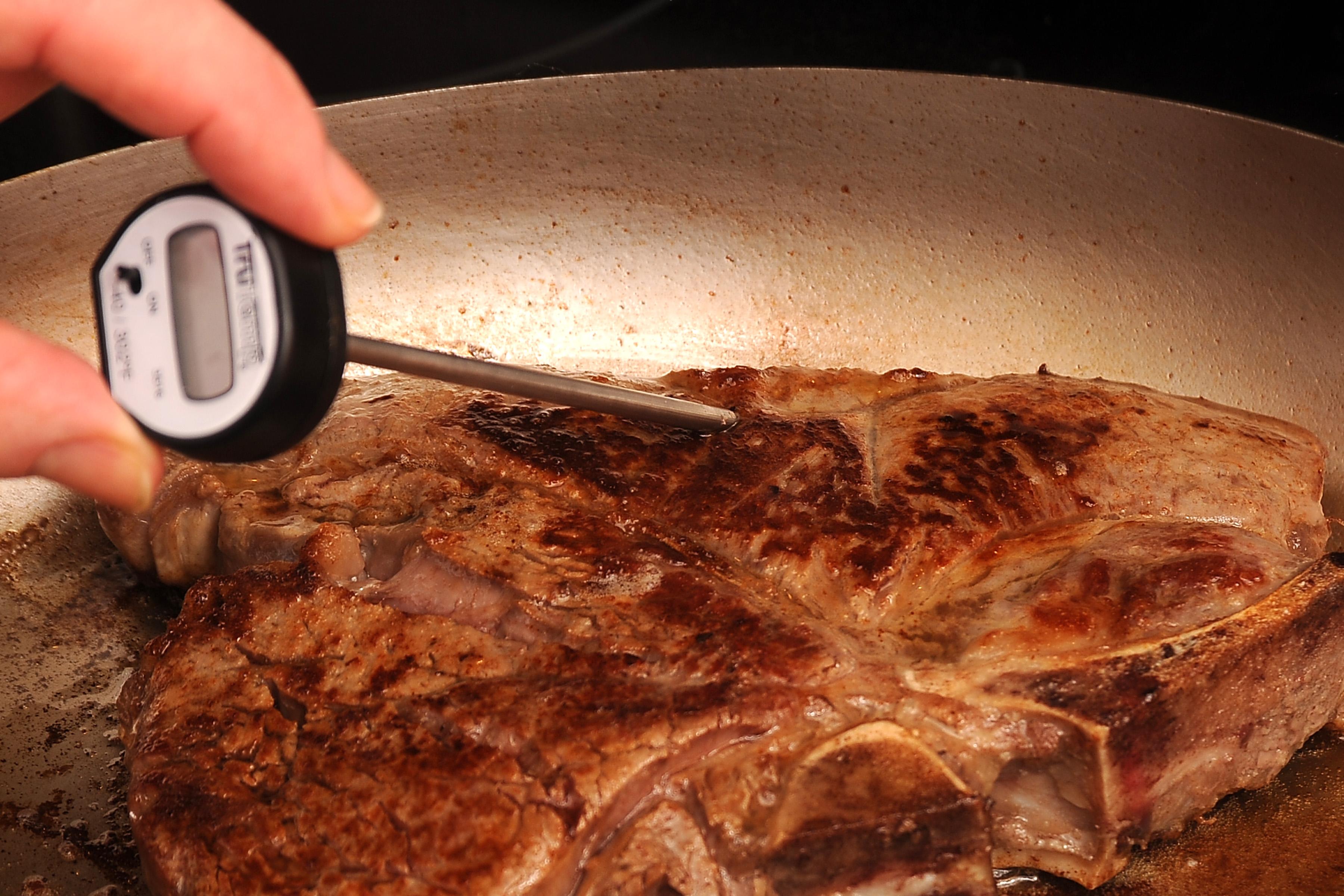 how to make steak in a pan medium rara