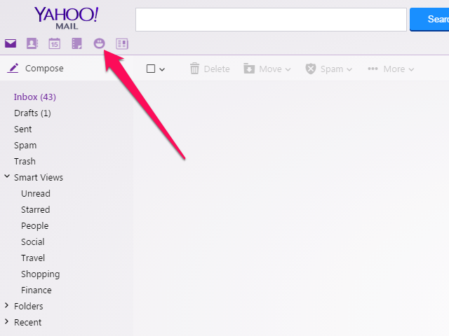 Yahoo Mail inbox, with Messenger icon highlighted.