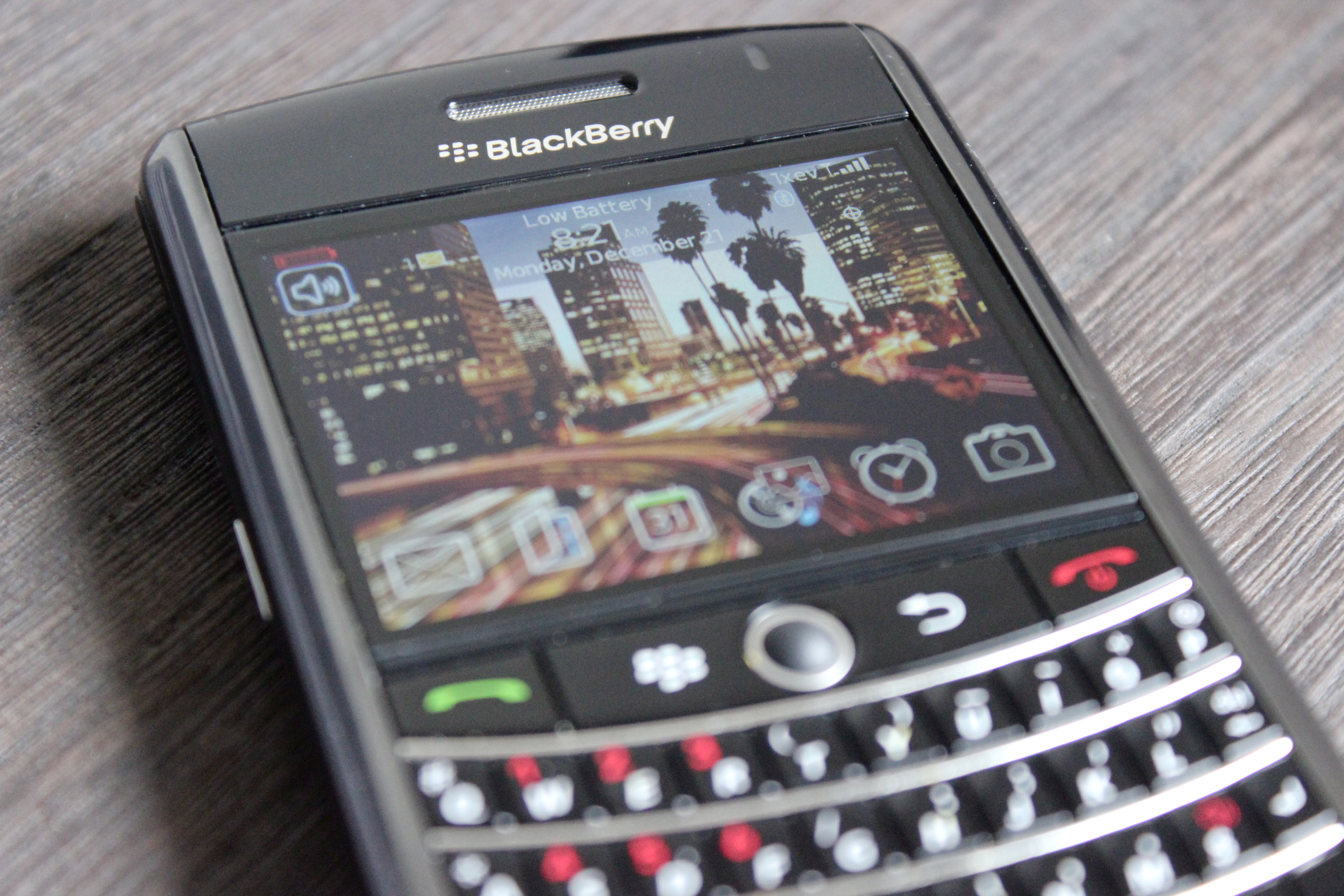 Bhow to fix a blackberry phone battery that won t charge