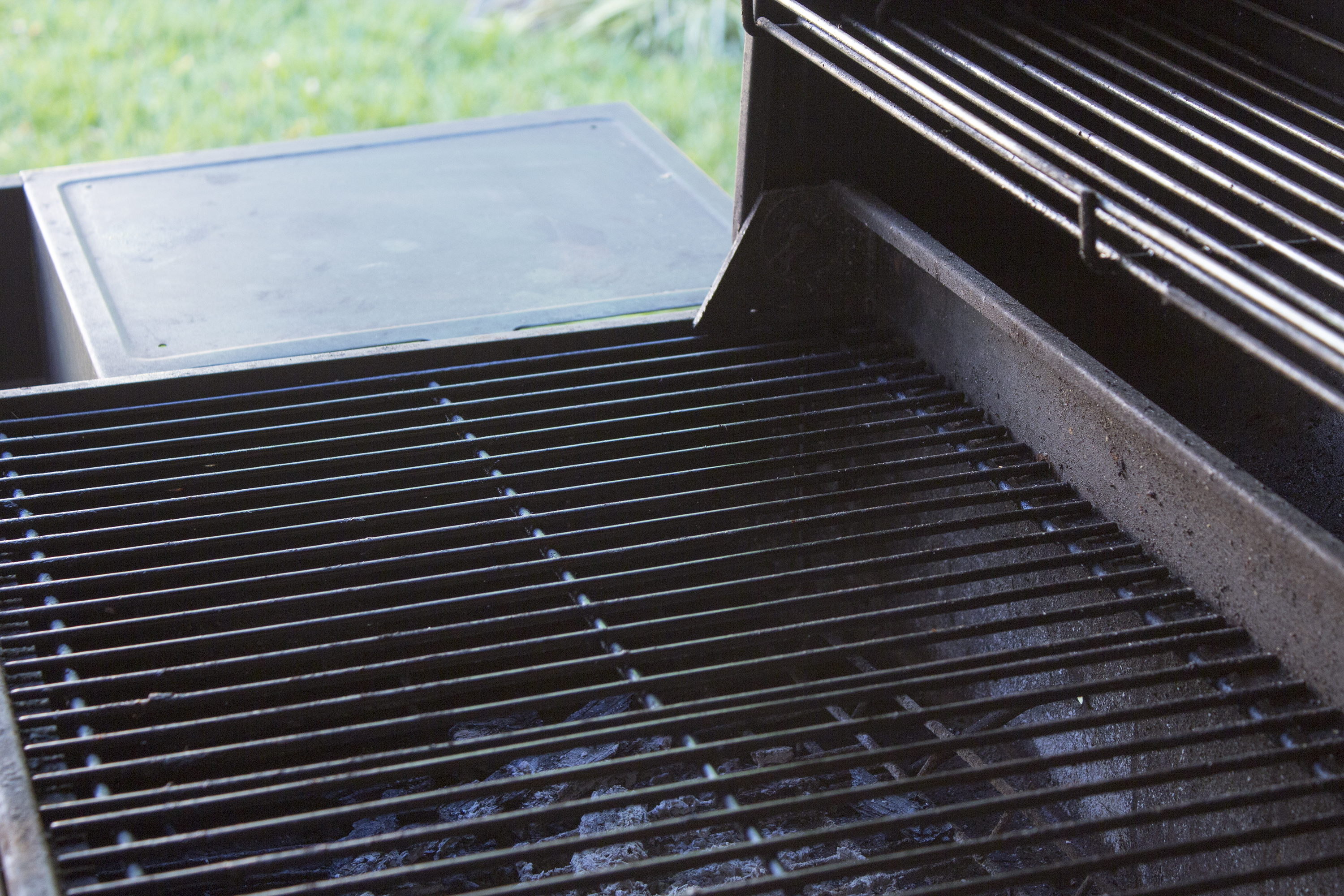 How to season cast iron grill grates home guides sf gate dailygadgetfo Image collections