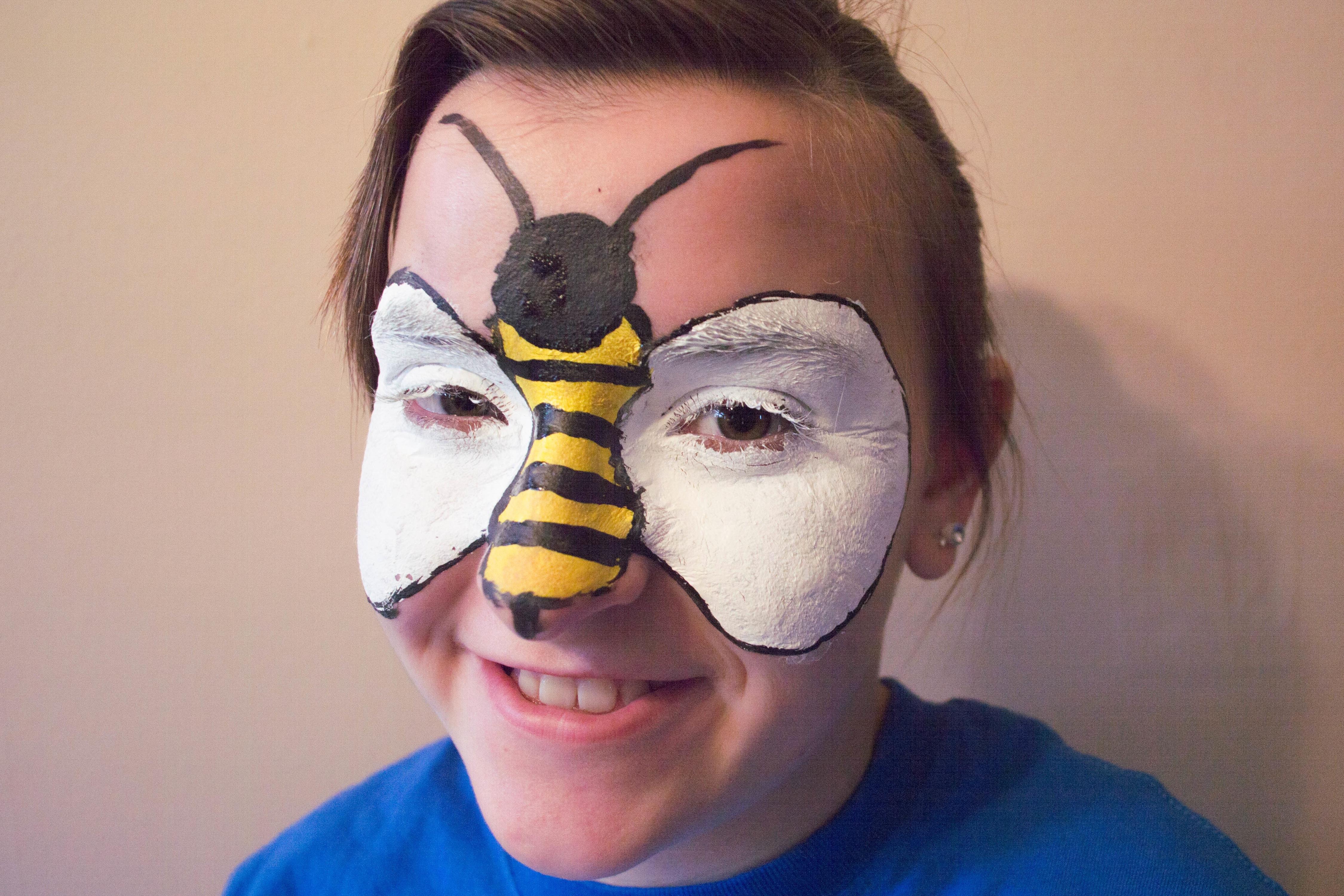 Fabuloso Como pintar o rosto de abelha para o Dia das Bruxas | ZV14